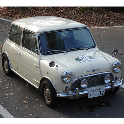 Mini1000 LHD<br>(オールド・イングリッシュ・ホワイト 内装赤+グレー)